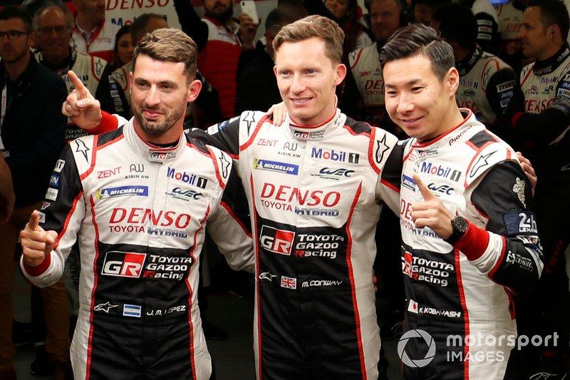 Ganadores de la pole #7 Toyota Gazoo Racing Toyota TS050: Mike Conway, Kamui Kobayashi, José María López