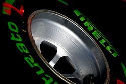 Neumático Pirelli