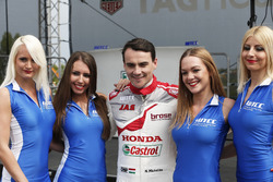 Norbert Michelisz, Honda Racing Team JAS, Honda Civic WTCC with WTCC-girls