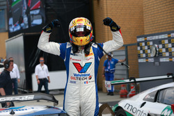 Sieger #77 Callaway Competition, Corvette C7 GT3: Jules Gounon