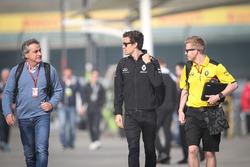 Carlos Sainz avec Jolyon Palmer, Renault Sport F1 Team et Kevin Magnussen, Renault Sport F1 Team