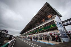 Le Mans pitlane ambiance