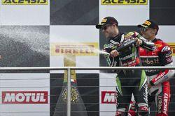 Jonathan Rea, Kawasaki Racing Team en el podio