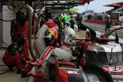 #8 Audi Sport Team Joest Audi R18: Lucas di Grassi, Oliver Jarvis