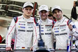 Pole winners #2 Porsche Team Porsche 919 Hybrid: Romain Dumas, Neel Jani
