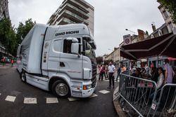 Porsche Team transporter arrives at scrutineering