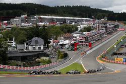 Start van de wedstrijd, Niko Kari, Motopark, Dallara F312 – Volkswagen; Alessio Lorandi, Carlin, Dal