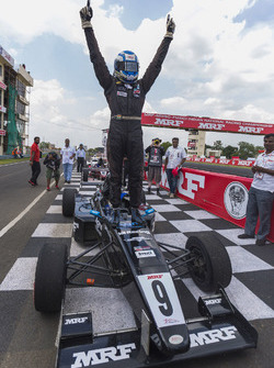 Race winner Vikash Anand