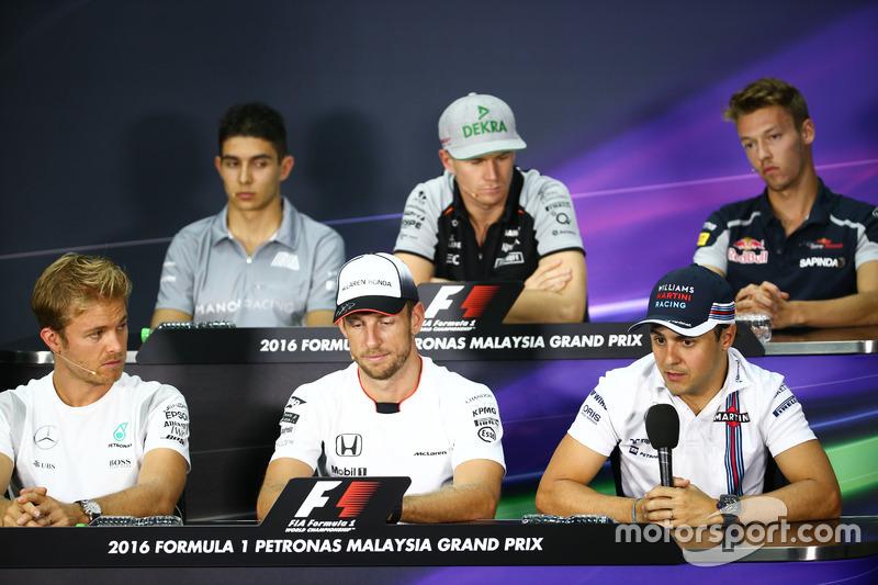 FIA Pressekonferenz (von hinten (L nach R)): Esteban Ocon, Manor Racing; Nico Hülkenberg, Sahara Force India F1; Daniil Kvyat, Scuderia Toro Rosso; Nico Rosberg, Mercedes AMG F1; Jenson Button, McLaren; Felipe Massa, Williams