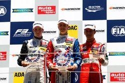 Rookie Podium: tweede Joel Eriksson, Motopark Dallara F312 – Volkswagen; Winnaar Ben Barnicoat, Hite