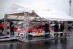 Kyle Larson, Chip Ganassi Racing Chevrolet inspection