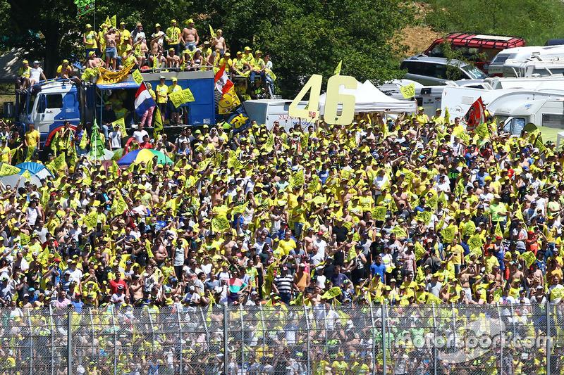 Fans de Valentino Rossi, Yamaha Factory Racing