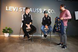(L naar R): Nico Hulkenberg, Sahara Force India F1 en teamgenoot Sergio Perez, Sahara Force India F1