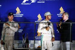 Mercedes AMG F1 con Lewis Hamilton, Nico Rosberg y Martin Brundle, comentarista de deportes de Sky e