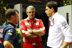 Christian Horner, Red Bull Racing director del equipo con Maurizio Arrivabene, Ferrari director del