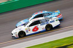 Trevor Bayne, Roush Fenway Racing Ford, Aric Almirola, Richard Petty Motorsports Ford