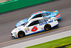 Trevor Bayne, Roush Fenway Racing Ford, Aric Almirola, Richard Petty Motorsports Ford