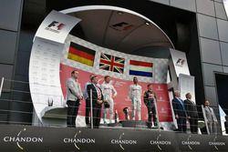 Podium : Nico Rosberg, Mercedes AMG F1, second; Lewis Hamilton, Mercedes AMG F1, vainqueur; Max Verstappen, Red Bull Racing, troisième