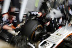 Sahara Force India F1 Team practica una parada en boxes