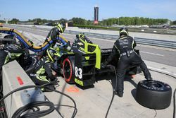 Charlie Kimball, Chip Ganassi Racing Chevrolet pit action