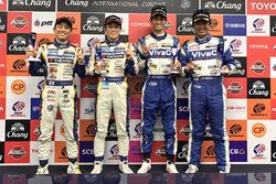 Polesitters GT500 #19 Team Wedssport Bandoh Lexus RC F: Yuhi Sekiguchi, Yuji Kunimoto and polesitter