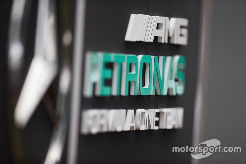 A fabricante alemã também já está com um olho mais atento ao mercado elétrico, com uma equipe na Fórmula E, além de ainda não cravar que permanecerá no grid após 2021.