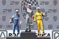 Podium : le vainqueur Will Power, Team Penske Chevrolet, le 2e Tony Kanaan, Chip Ganassi Racing Chevrolet, le 3e Graham Rahal, Rahal Letterman Lanigan Racing Honda