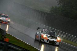 #62 Frikadelli Racing Team, Porsche 991 GT3 MR: Frank Kräling, Christopher Brück