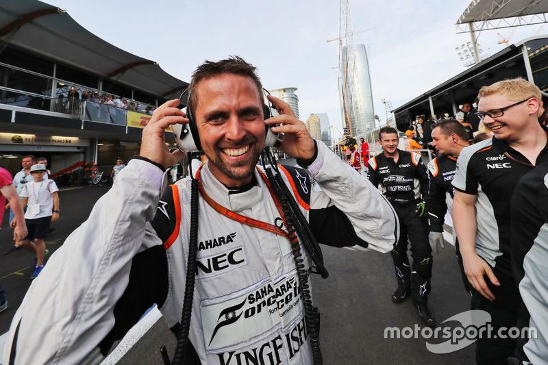 Марк Грей, Sahara Force India F1 празднует третье место Серхио Переса, Sahara Force India F1 в конце