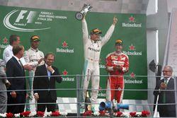 Podyum: 2. Lewis Hamilton, Mercedes AMG F1; 1. Nico Rosberg, Mercedes AMG F1; 3. Sebastian Vettel, F