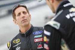 Greg Biffle, Roush Fenway Racing, Ford; Casey Mears, Germain Racing, Chevrolet