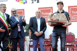 Макс Ферстаппен с призом Лоренцо Бандини