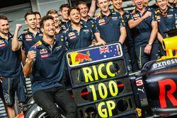 Daniel Ricciardo, Red Bull Racing celebrates his 100th GP with the team