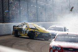 Crash de Carl Edwards, Joe Gibbs Racing Toyota