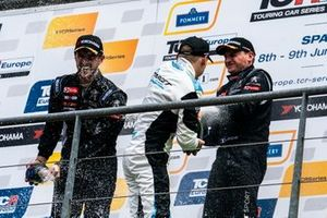 Podium: Race winner Julien Briché, JSB Compétition Peugeot 308 TCR, second place Mato Homola, Target Competition Hyundai i30 N TCR, third place Andreas Bäckman, Target Competition Hyundai i30 N TCR