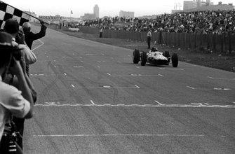 Джим Кларк, Lotus 25