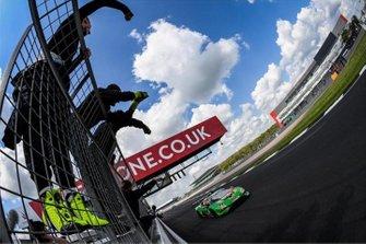 Il team Imperale Racing festeggia la doppietta