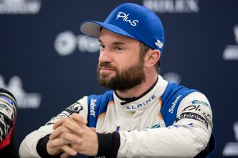 #36 Signatech Alpine Matmut Alpine A470: Nicolas Lapierre, Pre event press conference