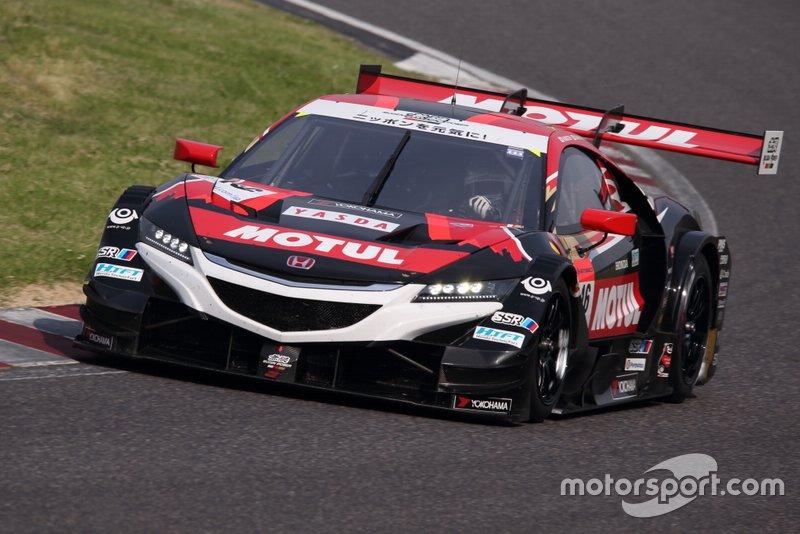 #16 Honda NSX (Mugen) - Hideki Mutoh (JPN/37) & Daisuke Nakajima (JPN/30): Honda-Tuner Mugen setzt auf interessante Fahrer. Mutoh gelang als Zweiter beim IndyCar-Rennen in Iowa 2008 das beste Ergebnis eines Japaners. 2013 übertrumpfte ihn Sato, Mutoh wurde Super-GT-Meister. Sein Teampartner ist Kazuki Nakajimas jüngerer Bruder.