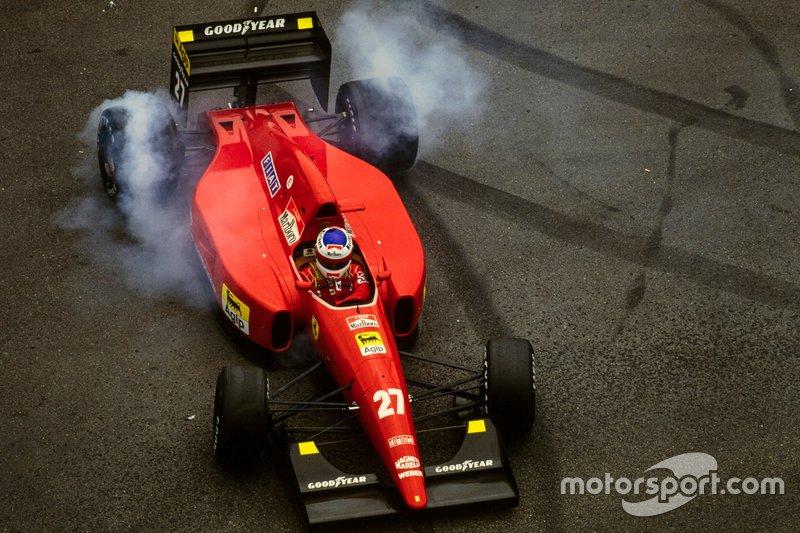 Jean Alesi, Ferrari F92A, après un tête-à-queue