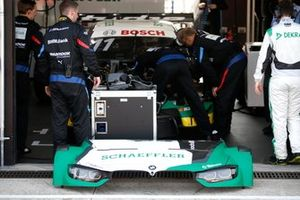 Marco Wittmann, BMW Team RMG, BMW M4 DTM with problems in the garage