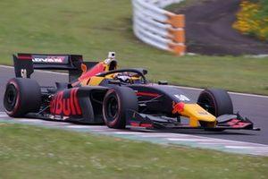 Lucas Auer, B-Max Racing con Motopark