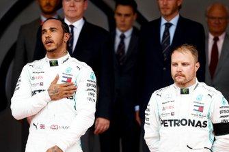 Race Winner Lewis Hamilton, Mercedes AMG F1 and Valtteri Bottas, Mercedes AMG F1 on the podium