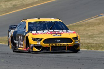 Clint Bowyer, Stewart-Haas Racing, Ford Mustang Rush Truck Centers