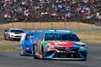 Kyle Busch, Joe Gibbs Racing, Toyota Camry M&M's Hazelnut