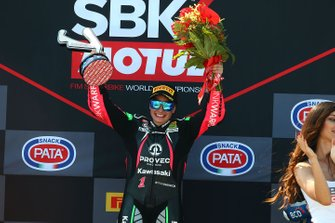 Podio: la vincitrice della gara Ana Carrasco, Kawasaki