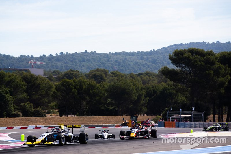 Ye Yifei, Hitech Grand Prix e Liam Lawson, MP Motorsport