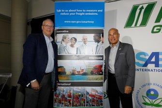 Conferenza stampa IMSA Green. Karl Simon. Direttore, TCD alla US EPA. Direttore, Divisione Trasporti e Clima alla US EPA, con il CEO IMSA, Scott Atherton