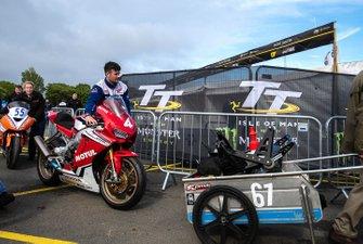 Ian Hutchinson, Honda Racing