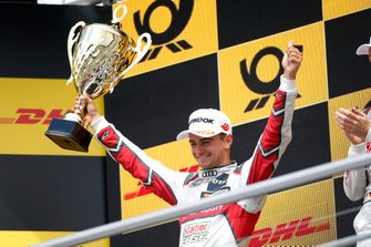 Podium: tweede Nico Müller, Audi Sport Team Abt Sportsline